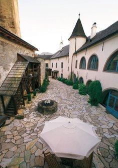 nádvorie hrad Liptovský Hrádok
