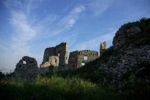 zrúcanina - Oponický hrad