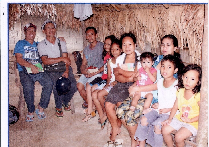 Bible study in Bagong Silang hosted by Sis Sheryl (Bro Rudy's daughter). Pastor Virgilio Fulo and Pastor Pio Guray on left side.