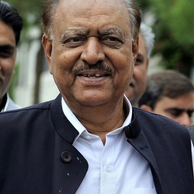 Mamnoon Hussain becomes the 12th President of Pakistan