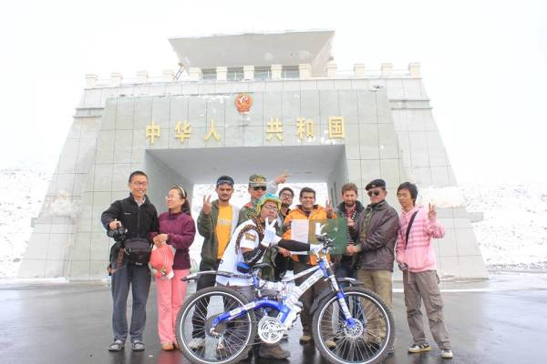 Biker Khawar Hussain starts the tour from Khunjerab Pass.