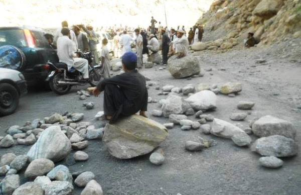 Chilas: The road is generally blocked by throwing boulders in middle of the KKH