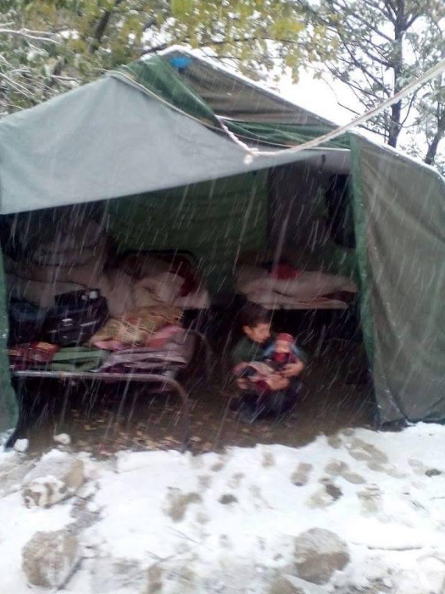 Tents Earthquake (2)