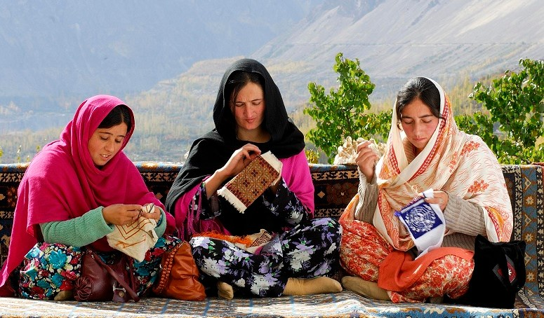 Needles and Threads: Disappearing forms of embroidery in Gilgit-Baltsitan