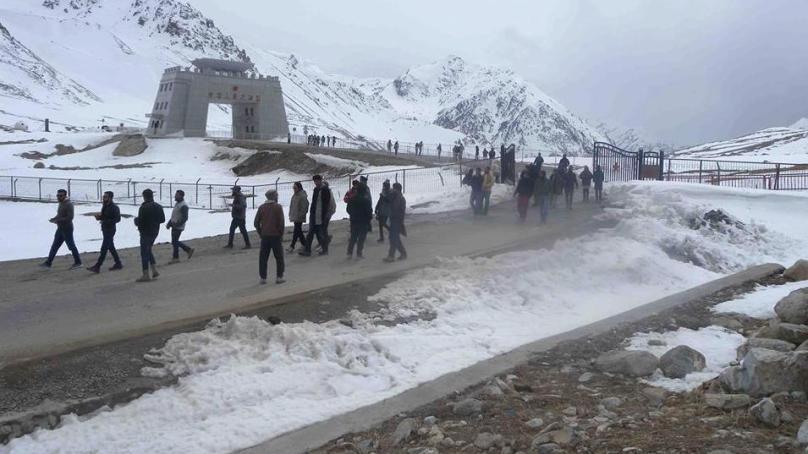 Pak-China border at Khunjerav opening for trade and traffic on 1st of April