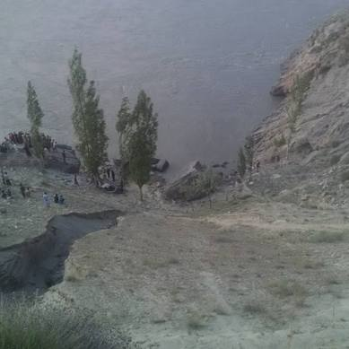 Skardu: Car plunges into Indus River