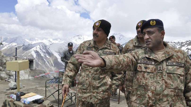 Commander 10 Corps Visited Forward Locations in Gilgit Baltistan