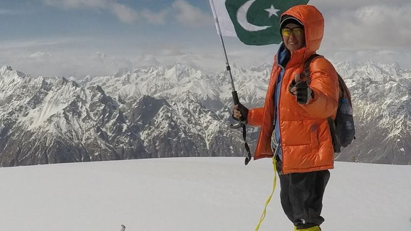 Woman biker climbs Burbucho peak in Shigar