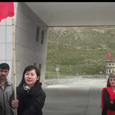 Pakistani and Chinese kids meet, build friendships at the top of the world