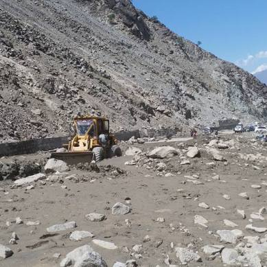 Babusar Road opened for traffic after three days