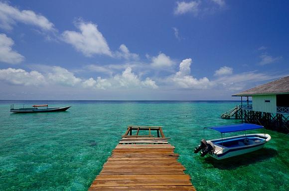 4D3N Explore Derawan Island