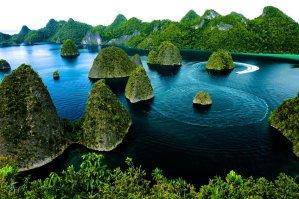 Explore Papua Raja Ampat