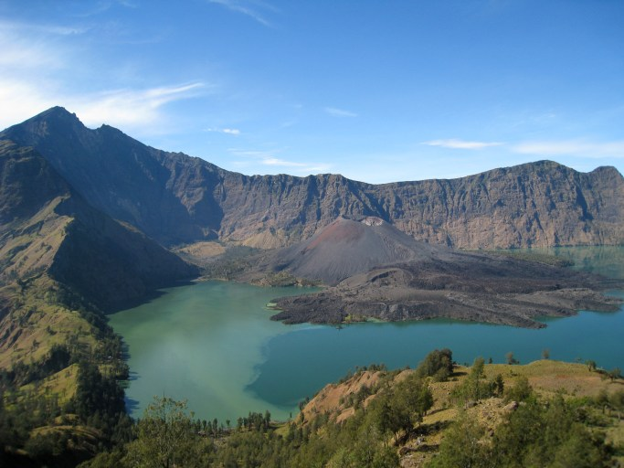 5D4N Trekking Mount Rinjani