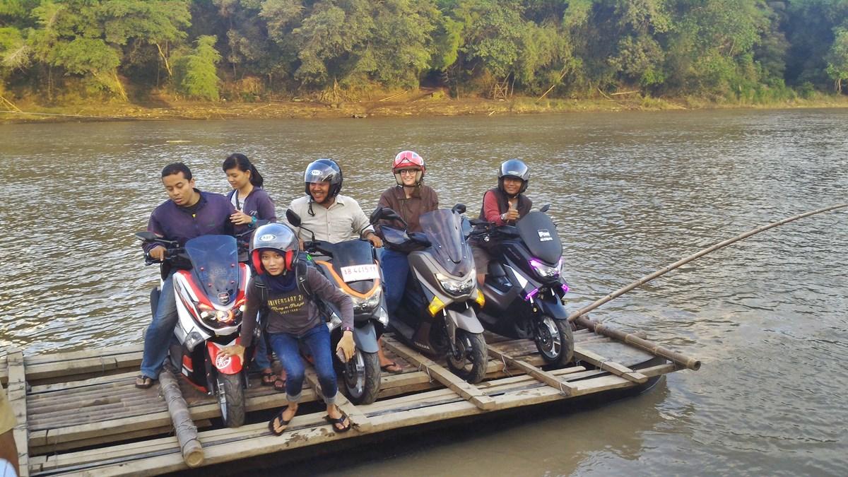 Motorbike Tour | Crossing River