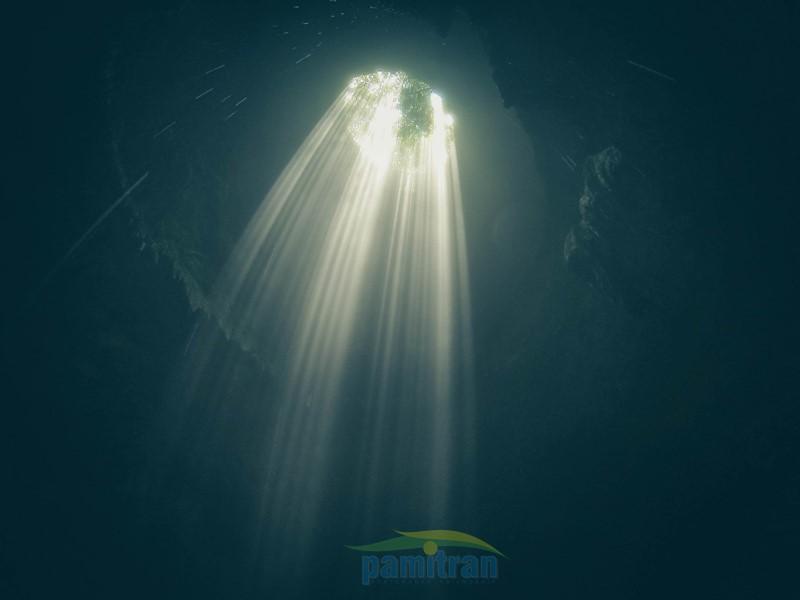 Caving Goa Jomblang
