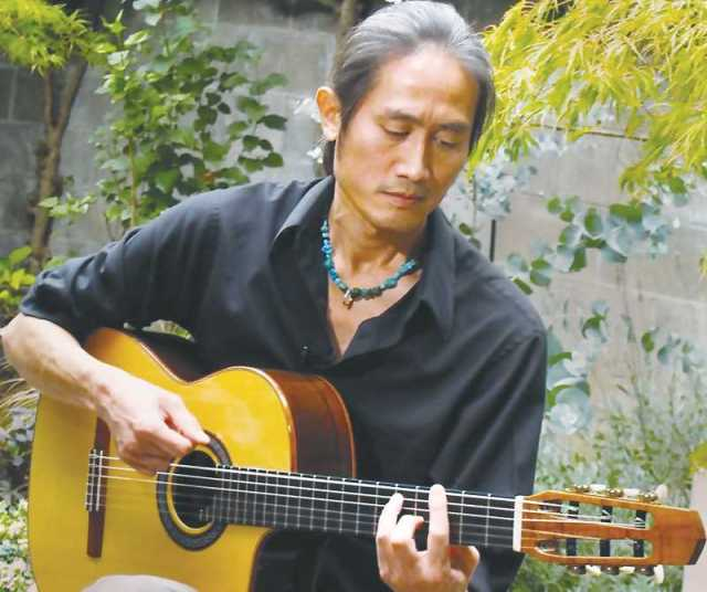 COURTESY PHOTO: CCC - Guitarists Gerardo Calderon and Toshi Onizuka will perform on Oct. 14 as part of the Chehalem Cultural Center's National Hispanic Heritage Month celebration.