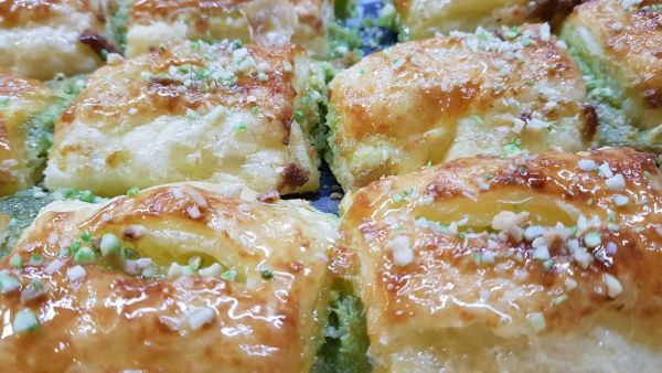 hojaldre_pistacho_sin_gluten_sin_lactosa-www.panaderiajmgarcia.com-alicante
