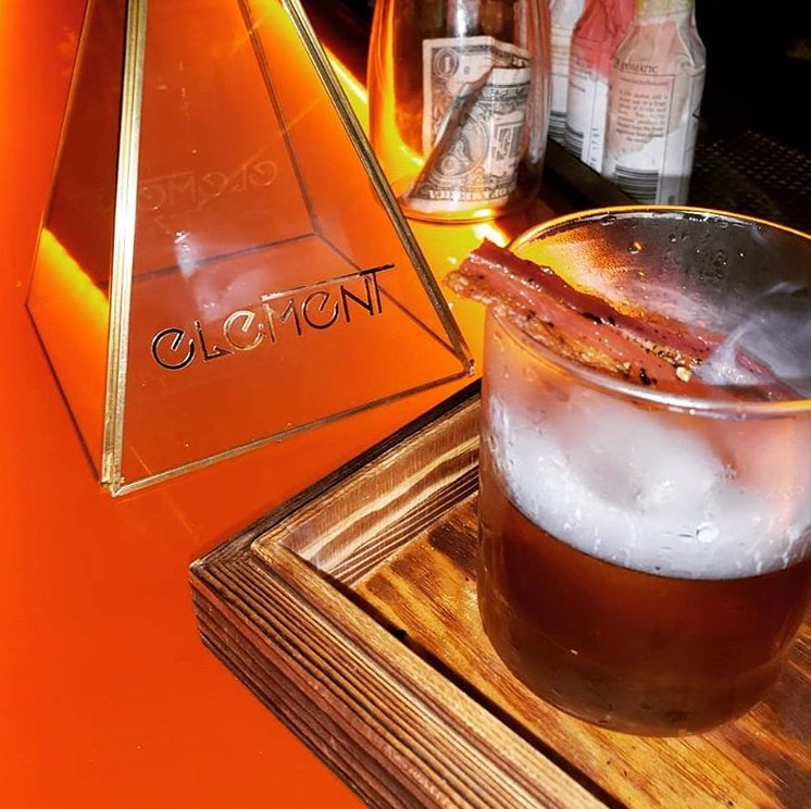 "Special cocktail is the ""Time Machine"" inspired by Jules Verne at Element Bar Casco Viejo"
