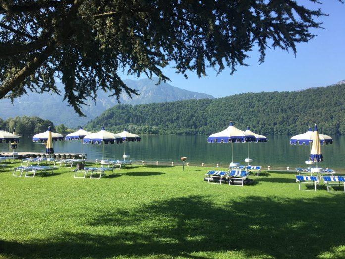 lago di levico in campeggio