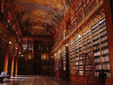 15.800px-Bibliothèque_monastère_Strahov