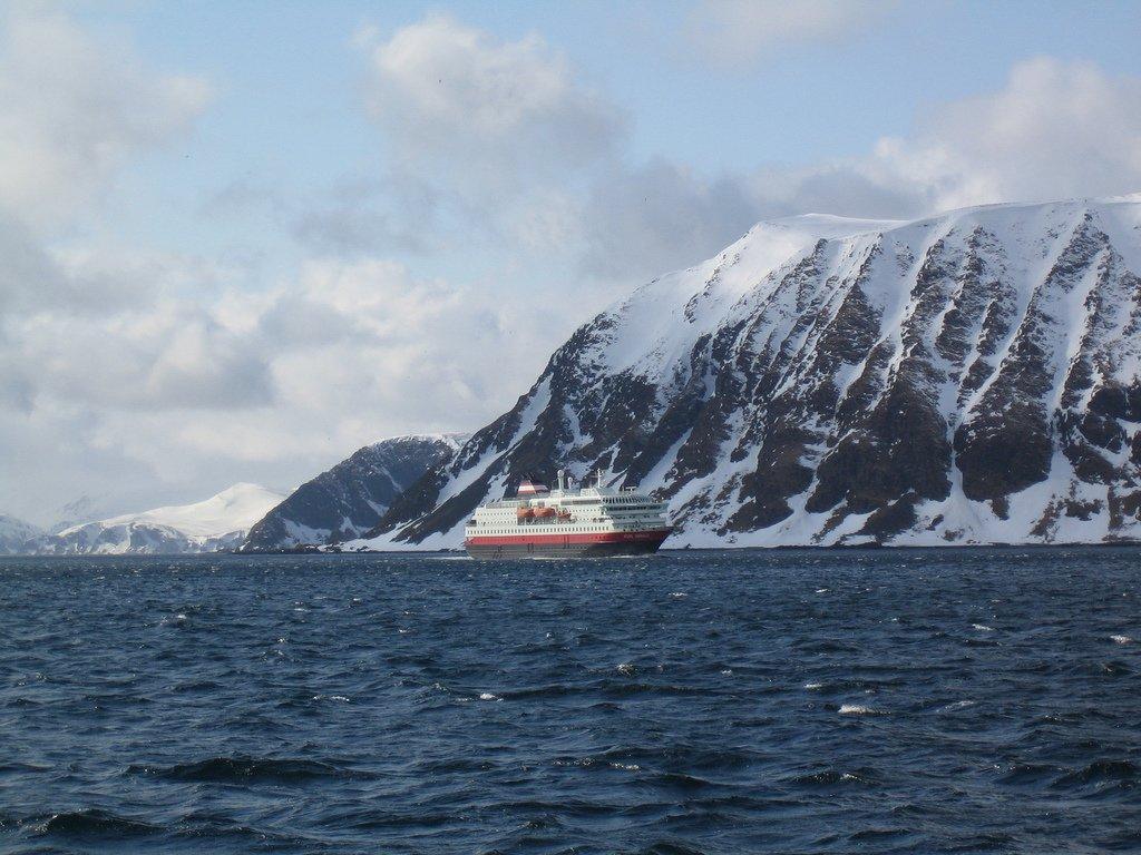 27.postale fiordi norvegesi_Hurtigruten-Honningsvåg