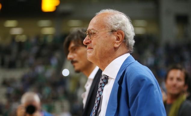 Συγκλονιστικές στιγμές στο ΟΑΚΑ: Δακρυσμένος ο Θανάσης, ευχαρίστησε τον «Ζοτς» (vid) | panathinaikos24.gr