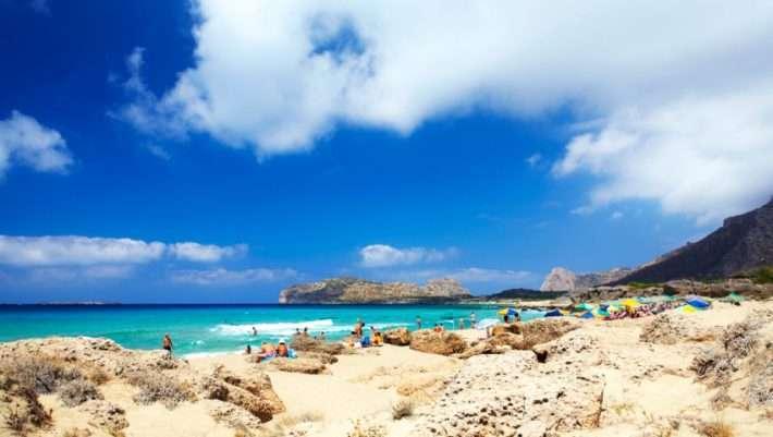 Τολμάς να μπεις; Η παραλία με τα μεγαλύτερα κύματα στην Ελλάδα (Pics)   panathinaikos24.gr