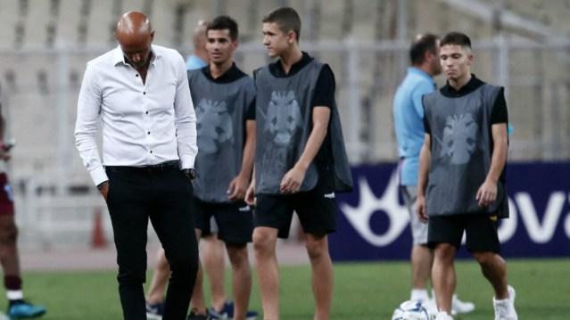 Εκνευρισμένοι οπαδοί της ΑΕΚ πλησίασαν το ΟΑΚΑ | panathinaikos24.gr