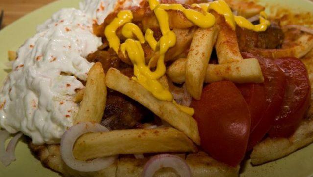 «Σάλτσας»: Το τυλιχτό-γίγας με τη μυστική συνταγή που δεν μπορείς να το παραγγείλεις (Pics) | panathinaikos24.gr