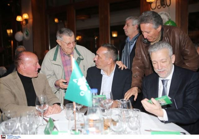 Βραβεύτηκε ο Δώνης στην κοπή πίτας των παλαιμάχων του Παναθηναϊκού (pics) | panathinaikos24.gr