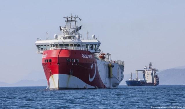 Εντός ελληνικής υφαλοκρυπίδας το Oruc Reis – Ελληνικά πολεμικά πλοία καλούν για αποχώρηση! | panathinaikos24.gr