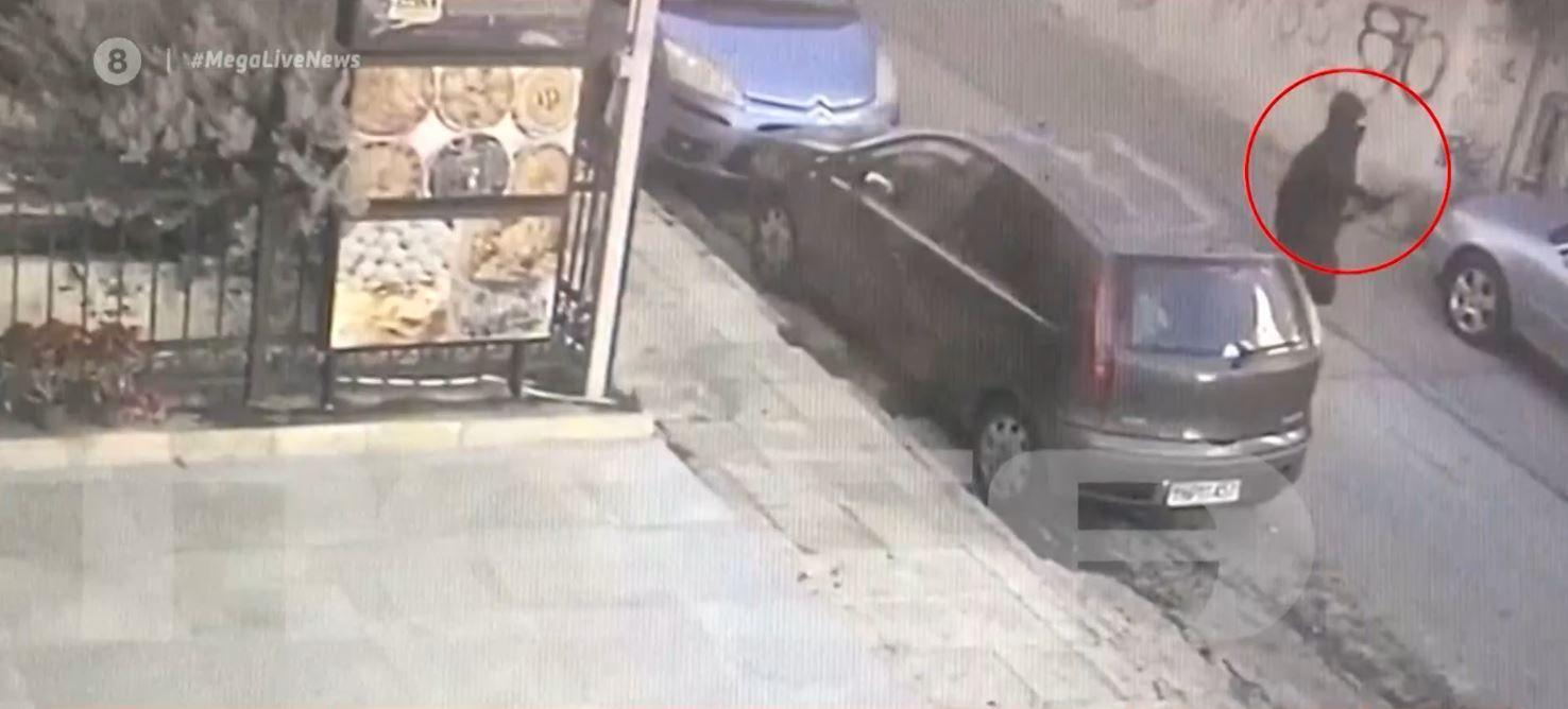 Πετρούπολη: Βίντεο ντοκουμέντο από τη φονική επίθεση με τόξο σε σκύλο (vid) | panathinaikos24.gr