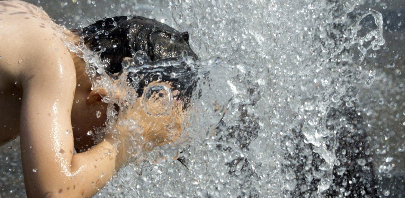 Συνεχίζεται ο καύσωνας και την Κυριακή – Στα ύψη ο υδράργυρος (Vids) | panathinaikos24.gr