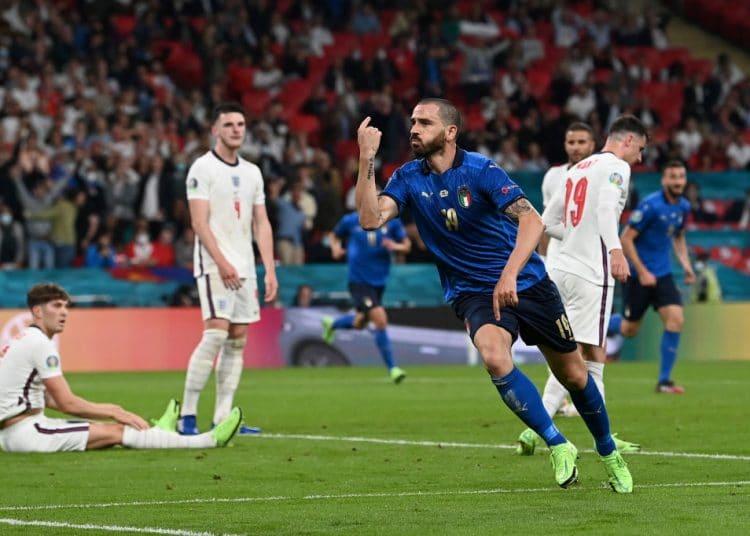 Ιταλία-Αγγλία 3-2 πεν. : Το τρόπαιο βάφτηκε μπλε! (pics & vids)   panathinaikos24.gr