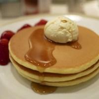 帝国ホテル「インペリアルパンケーキ いちご添え」1600円