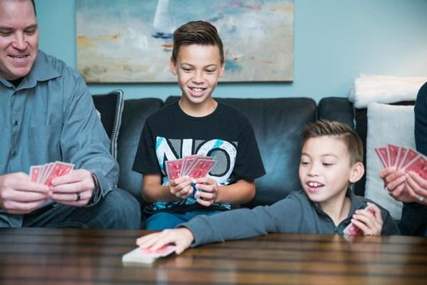 Penser aux jeux de société pour passer du temps de qualité en famille