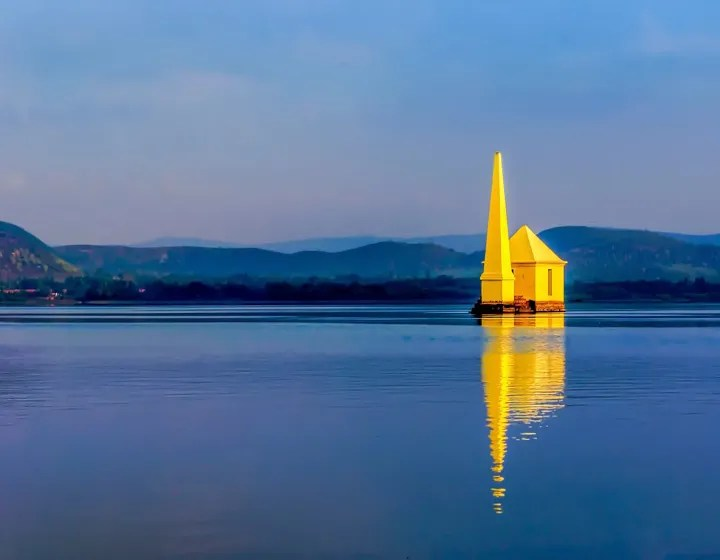 Odisha Golden Triangle with Chilika Lake Tour