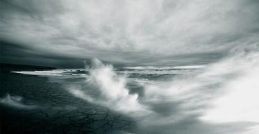 天変地異 嵐 津波 地割れ
