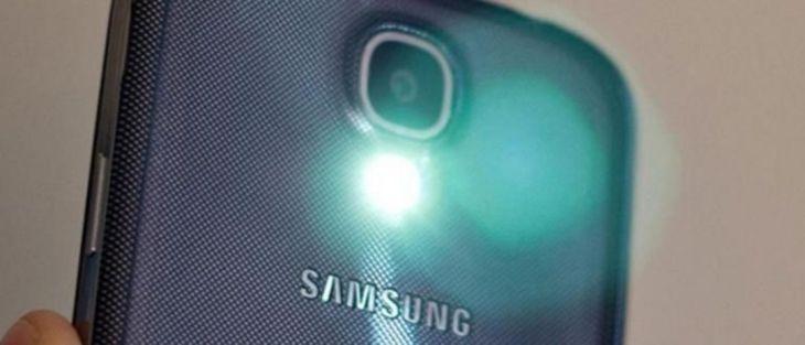 Jangan Sembarangan Menggunakan Flash Pada Smartphone
