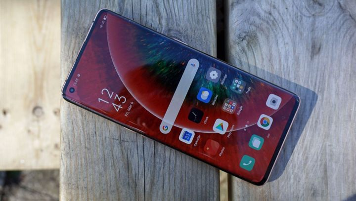 OPPO Find X3 atau Find X3 Pro