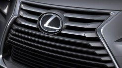 lexus-is-2017-gril-spindel