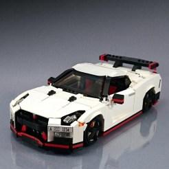 Lego-Nissan-GT-R-Nismo-2