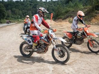 batch_KTM_riding_course-chris_birch_pandulaju32
