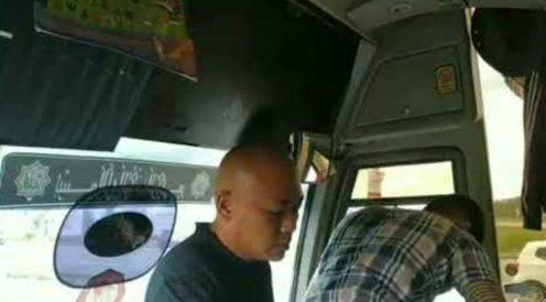 Belasah pemandu bas pelancong (1)