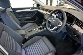 VW Passat (2020)_23
