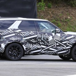 Land Rover Discovery (2021)_1