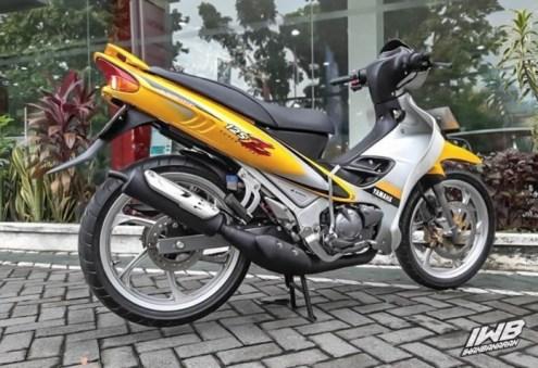 Yamaha Y15ZR_3