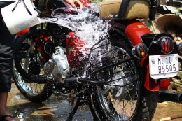 Bike Royal Enfield Shillong Water Splash Car Wash