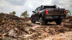 Toyota Hilux Rogue 2020 Malaysia_PanduLaju12