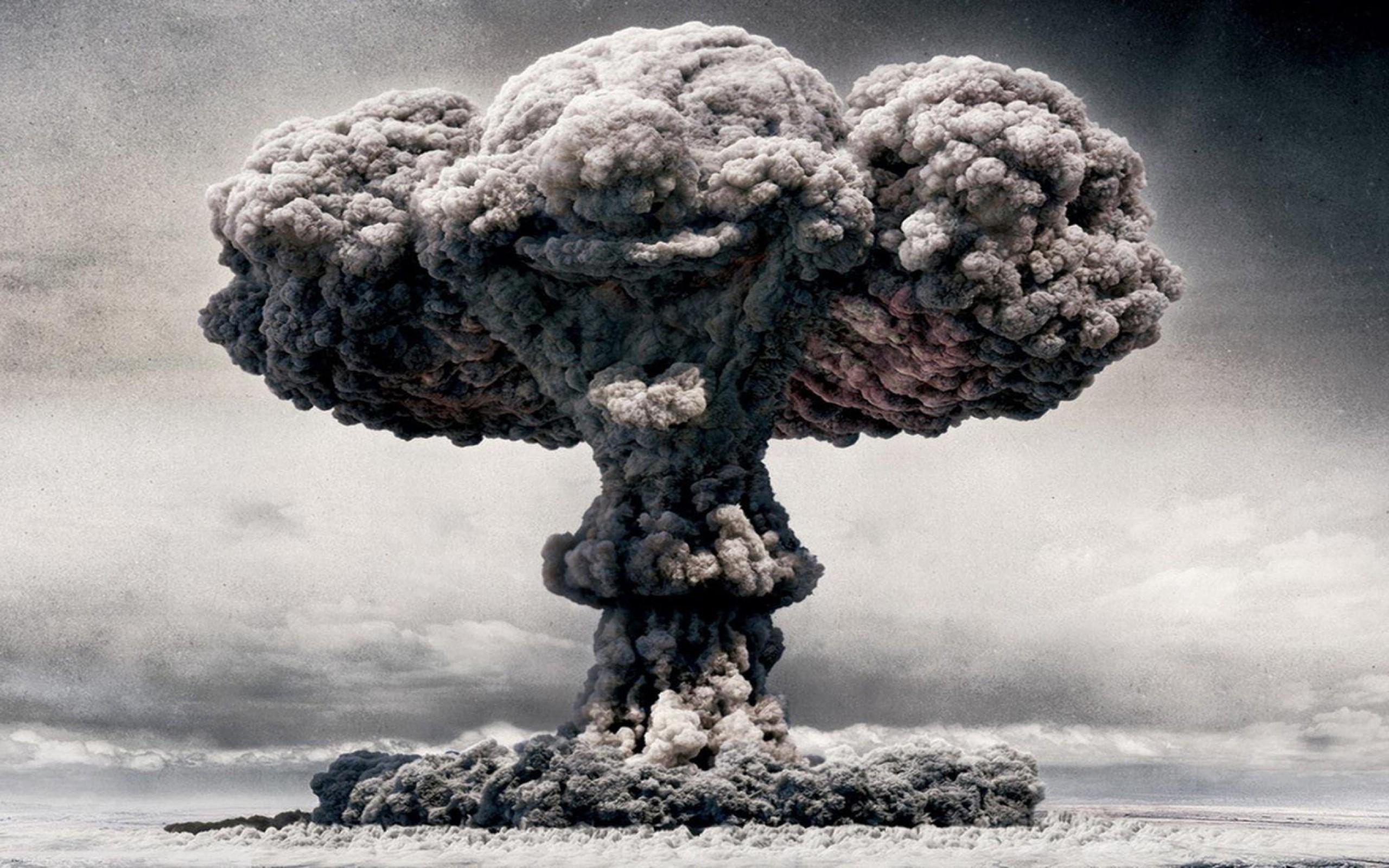 Imagini pentru EXPLOZIE NUCLEARA